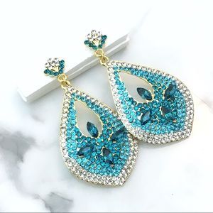 Jewelry - NEW PROM PAGEANT Teal Rhinestone Event Earrings